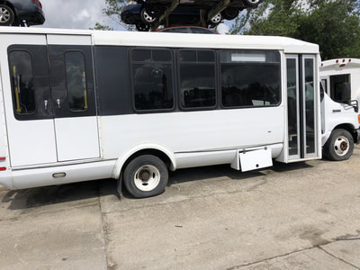 2007 Ford E-450 Bus 6.0 Automatic Dual Rear Wheel